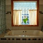 Bathroom Cleaning Checklist for Busy People